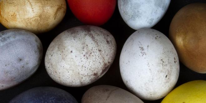 Natural Easter eggs